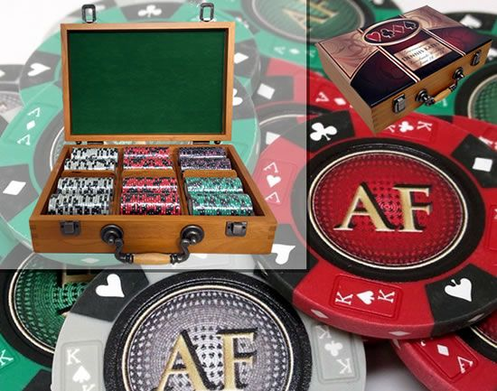Custom Printed Oak Wood Poker Chip Set with 14 Gram Clay Ace King & Suits Poker Chips - 300 Chips