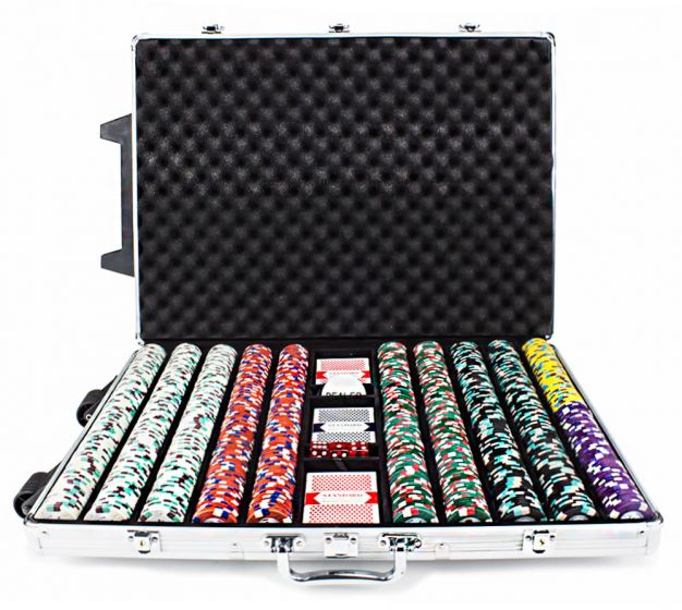 Poker Knights 13.5 Gram Clay Poker Chip Set in Rolling Aluminum Case - 1000 Count