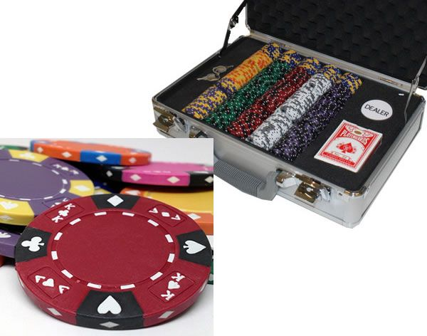 Ace King Suited 14 Gram Clay Poker Chips in Deluxe Aluminum Case - 300 Ct.