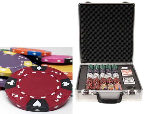 Ace King Suited 14 Gram Clay Poker Chips in Deluxe Aluminum Case - 500 Ct.
