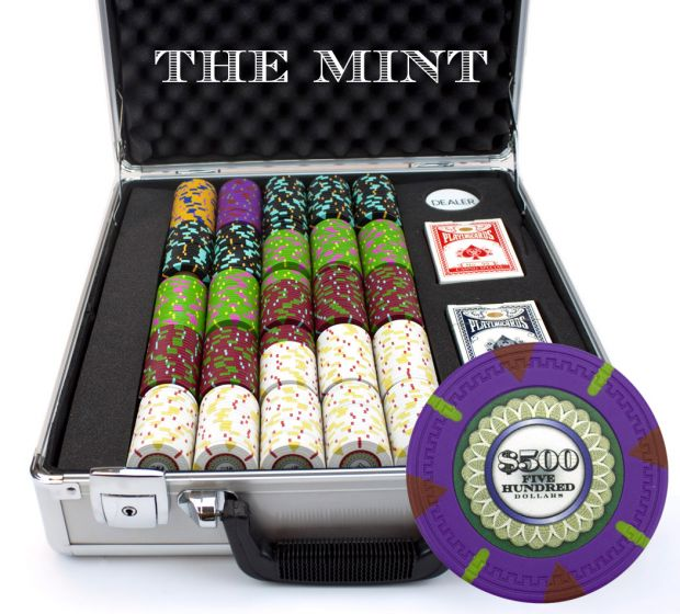 The Mint 13.5 Gram Clay Poker Chips in Deluxe Aluminum Case - 500 Ct.
