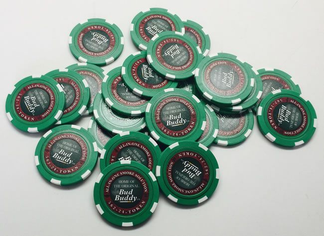 Poker Case With 300 High Quality Poker Chips with heavy metal core