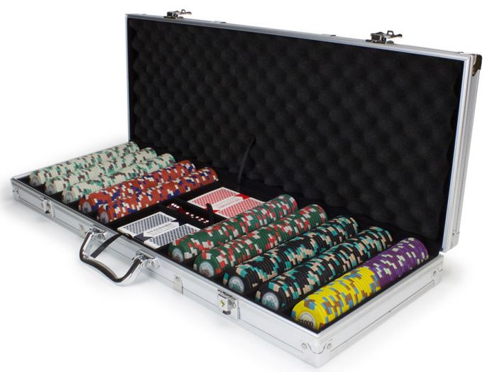 Poker Knights 13.5 Gram Clay Poker Chip Set in Aluminum Case - 500 Count