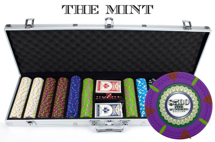 The Mint 13.5 Gram Clay Poker Chips in Aluminum Case - 600 Ct.